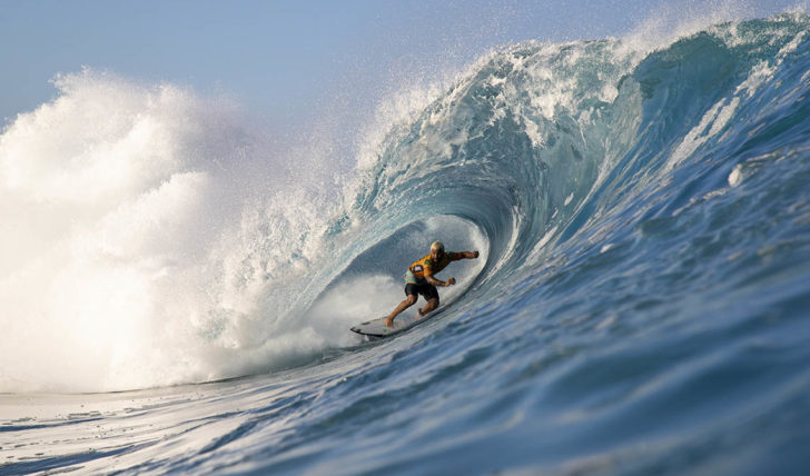 53833Disputa pelo título reduzida a 3 surfistas no fim do dia 4 do Billabong Pipe Masters