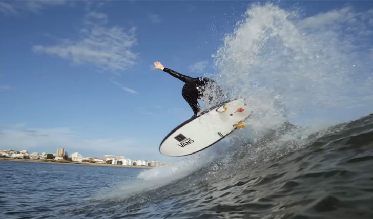 54196Weird Waves | Dylan Graves visita o Barreiro || 13:30