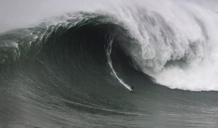 54478Dia de grandes emoções no Nazare Tow Surfing Challenge