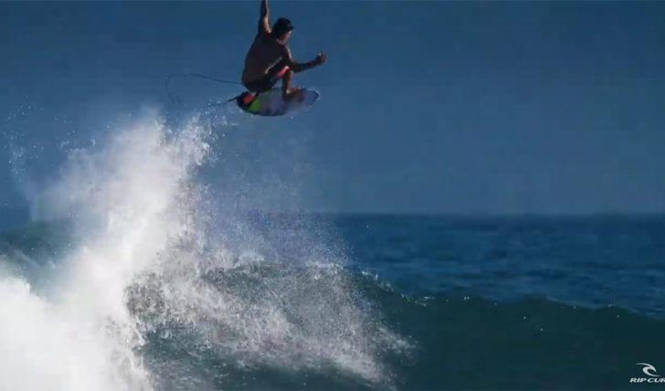 54387Gabriel Medina | Free surf na Indonésia || 1:47