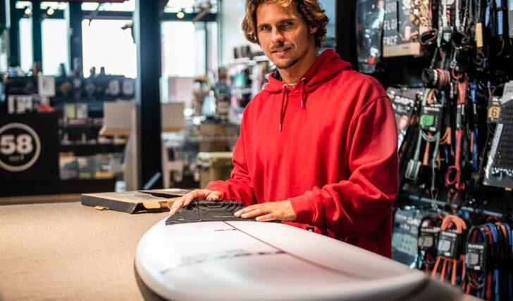 57194Brusco, a marca de Nicolau Von Rupp à venda na 58 Surf