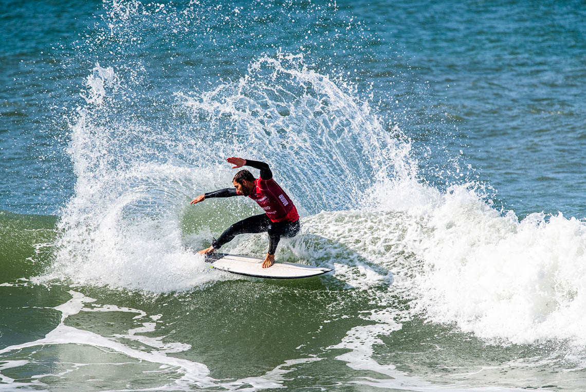 57694Vasco Ribeiro e Frederico Morais nos quartos de final do MEO Portugal Cup of Surfing