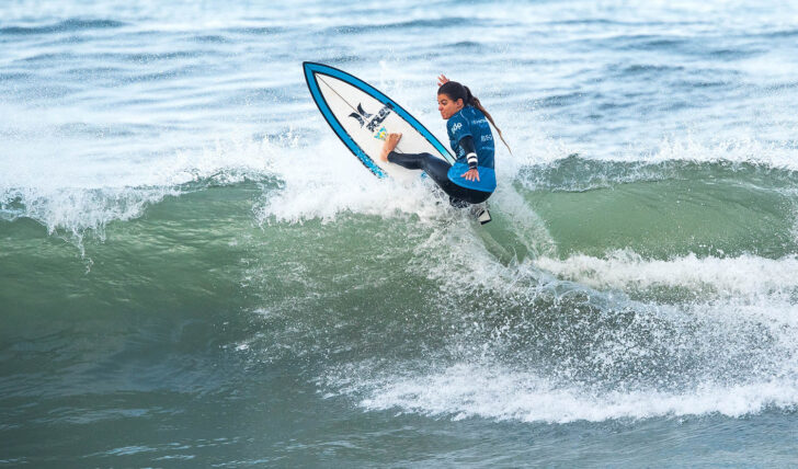 57657Surfistas portuguesas destacam-se no round 2 do MEO Portugal Cup of Surfing
