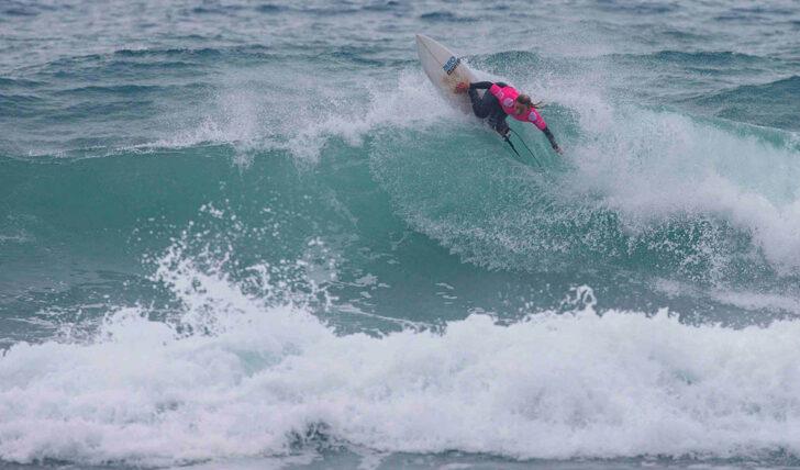 """57788""""Armada Lusa"""" reduzida a uma surfista na categoria feminina do Junior Pro Espinho"""