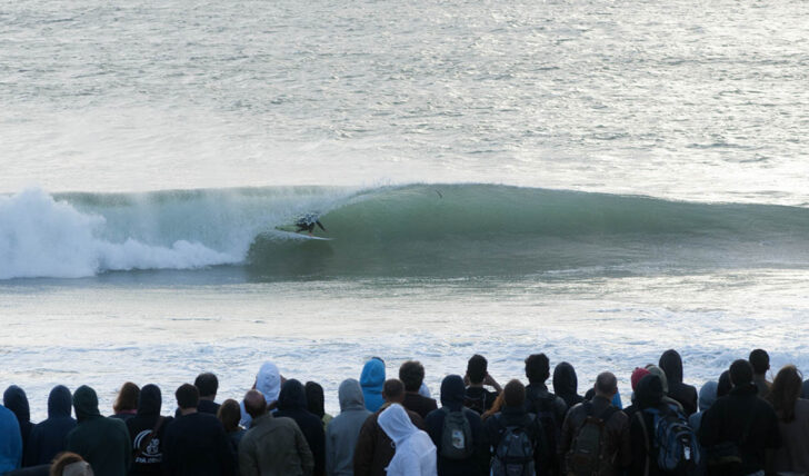 592626 estereótipos de surfistas que todos os bons grupos devem ter