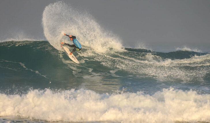 59232Prática do surf novamente autorizada no Concelho de Cascais