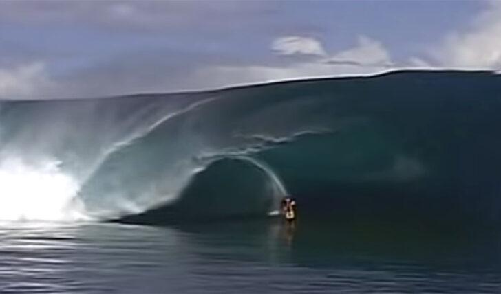 61231Laird Hamilton em Teahupoo | Uma sessão que mudou a história do surf…