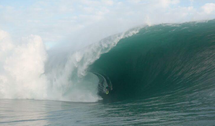61508Terá Matahi Drollet surfado a maior onda de sempre em Teahupoo?