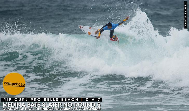 24041Medina bate Slater no round 5 do Rip Curl Pro Bells Beach