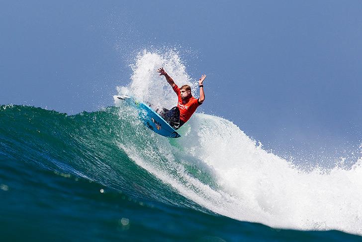 Fanning disse que esta seria a sua última etapa do CT este ano mas mostrou que tem surf para estar mais 10 anos na elite! Photo by WSL   Rowland