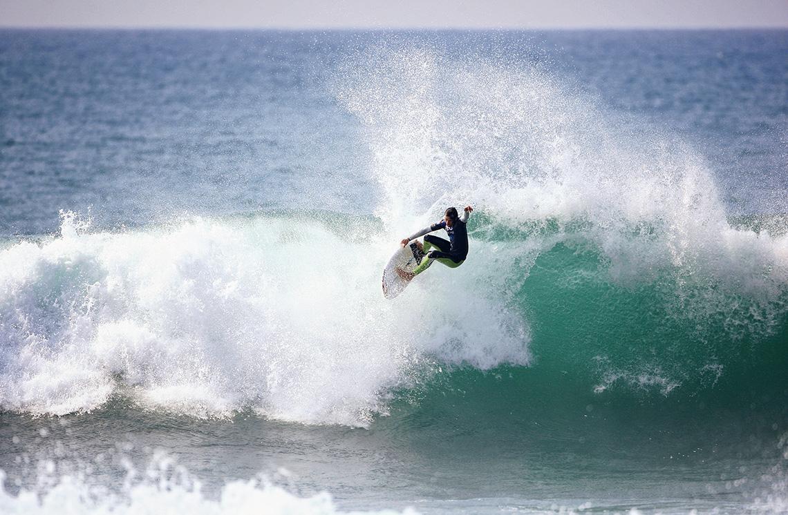 """39295David Luís e a lição de surf   By João """"Flecha"""" Meneses"""