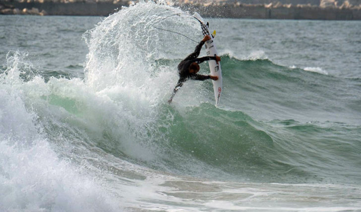 41450Kerr, Jadson, Logie e Potter surfaram de MATTAshapes na perna europeia