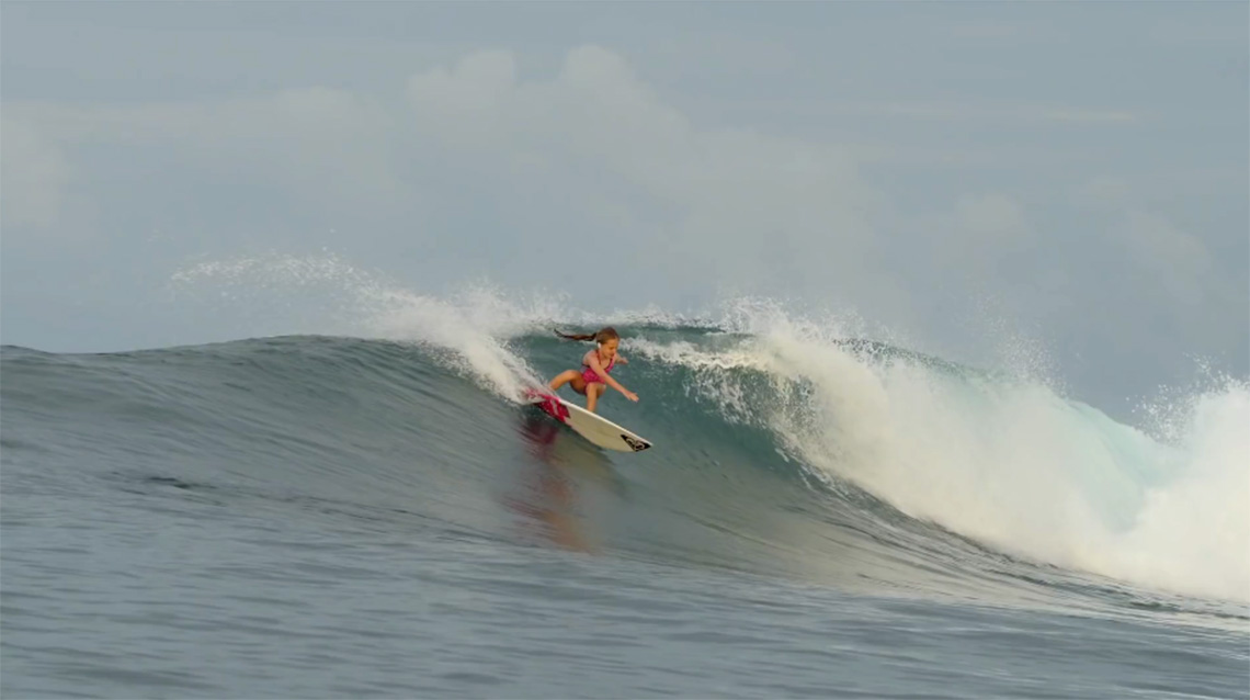 41460Será Sierra Kerr o futuro do surf feminino?