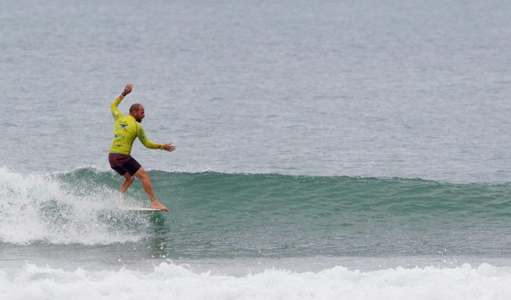 42477Portugueses eliminados no ISA World Longboard Surfing Championship