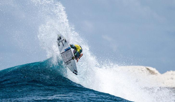42300APS SURF TOUR está de regresso à Praia da Poça…