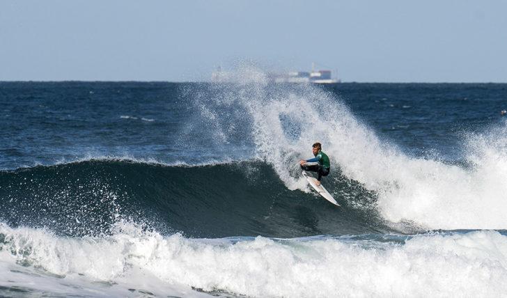 """43454""""Maratona"""" de heats no primeiro dia do Caparica Primavera Surf Fest"""
