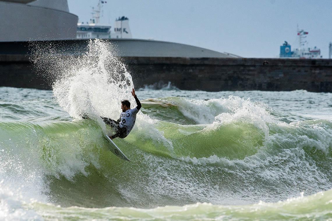 44233Liga MEO Surf segue para o Porto…