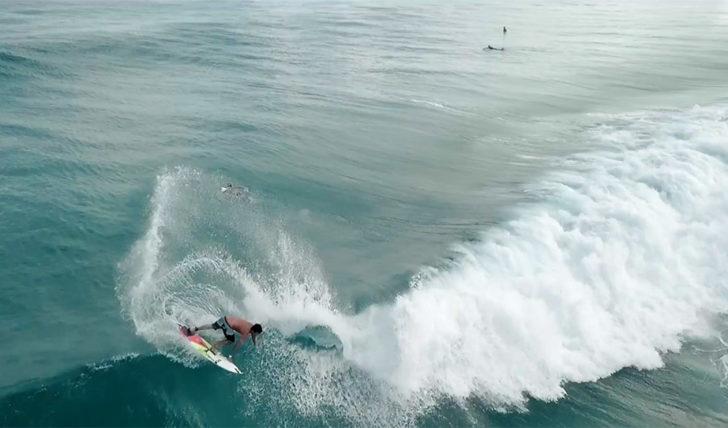 44606Ítalo Ferreira na pérola do surf brasileiro | Fernando de Noronha || 4:06