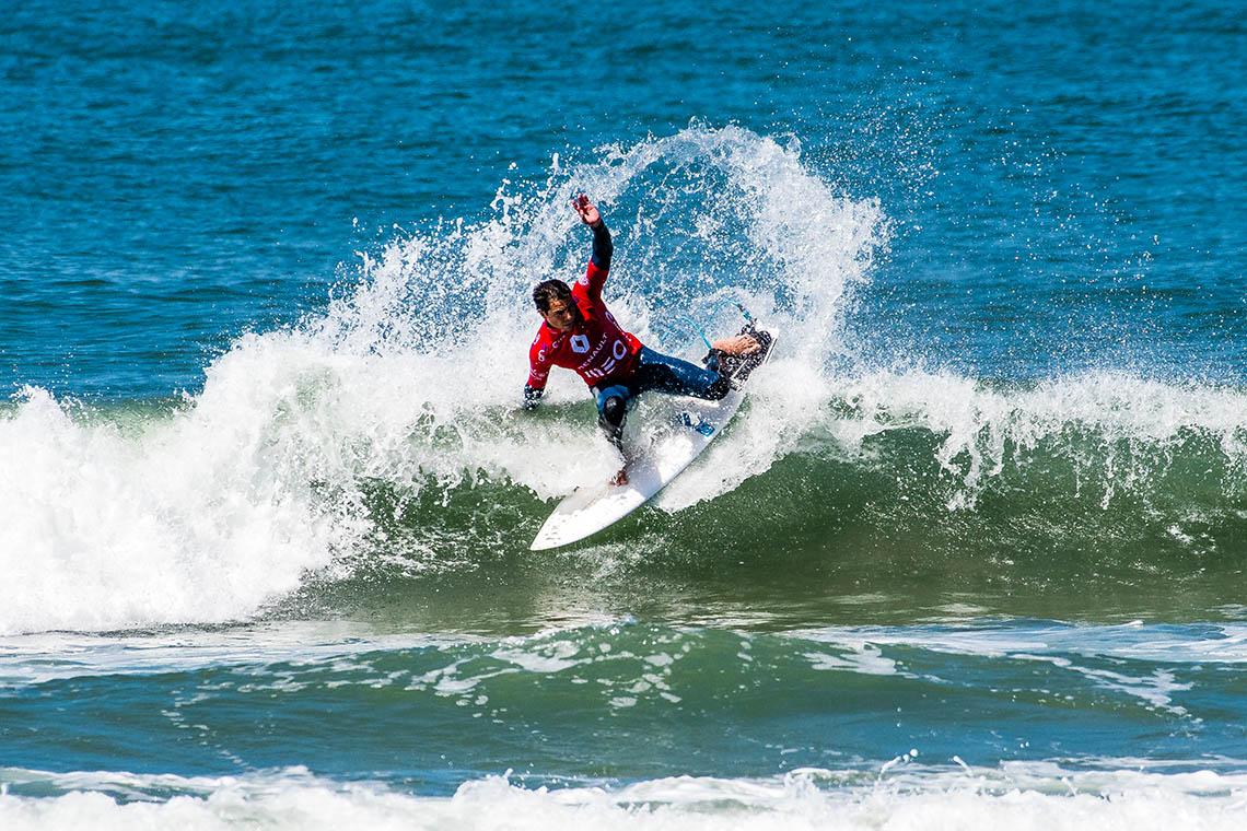 44395Renault Porto Pro abre com boas ondas em Matosinhos