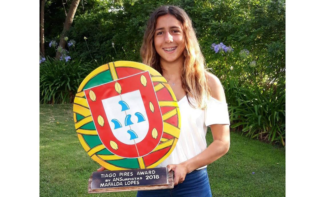 45616Mafalda Lopes recebe o Tiago Pires Award by ANSurfistas