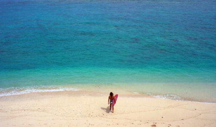 45528Alessa Quizon | To Surf…With Love || 1:28