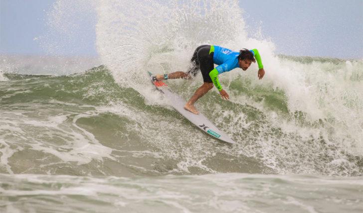 45424Pedro Coelho e Henrique Pyrrait no round 3 do Cape Town Surf Pro