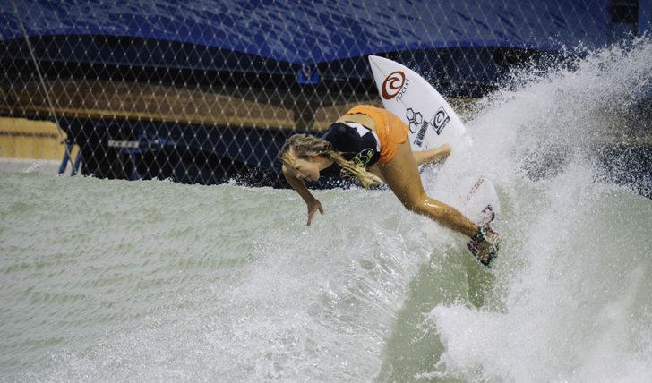 46099Bethany Hamilton recebe wildcard para o Surf Ranch Pro