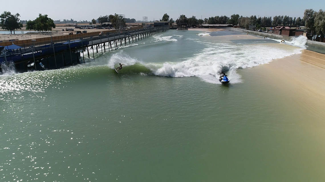 46711Mikey Wright & Hiroto Ohhara recebem wildcards para o Surf Ranch Pro
