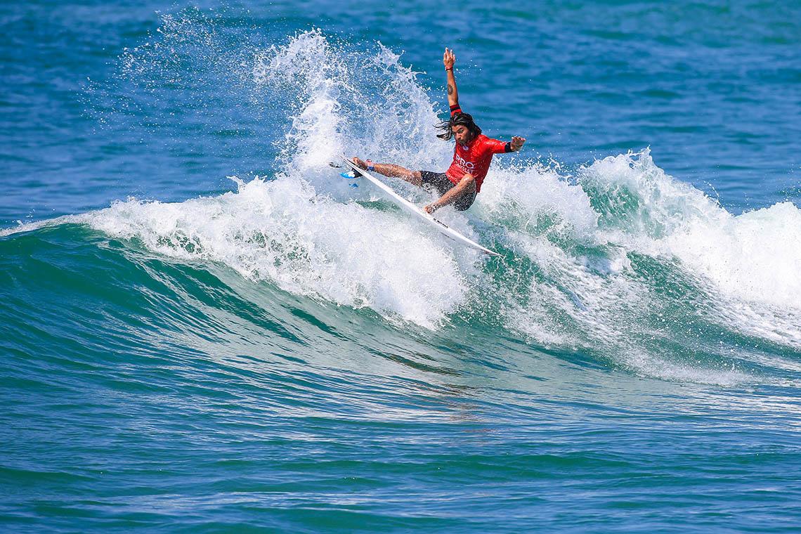 46553Pro Anglet arranca com boas ondas