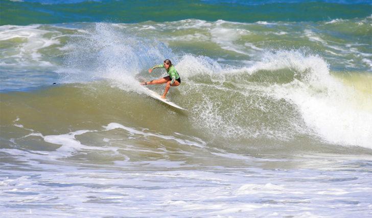 46520Camilla Kemp termina em 9º lugar no Caraïbos Lacanau Pro