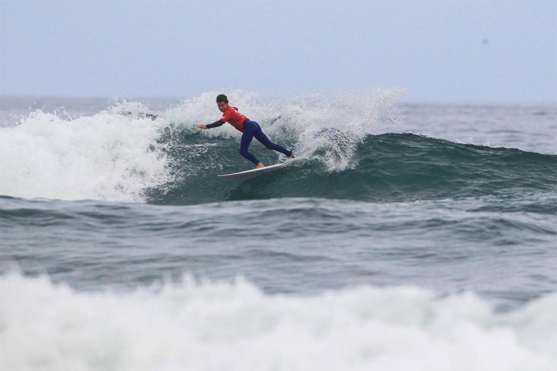 46590Os heats dos 8 surfistas portugueses no Pantin Junior Pro