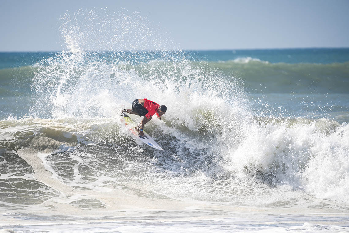 46978Dois surfistas lusos na repescagem do ISA WSG   Dia 2