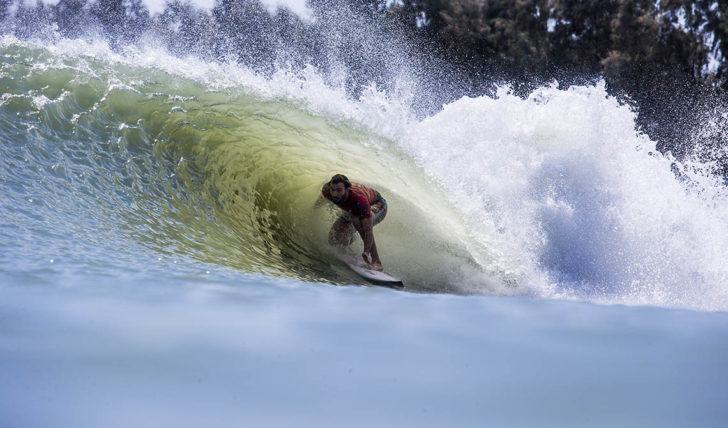 46863Frederico Morais recebe a 25ª classificação no Surf Ranch Pro