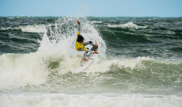 49743Os heats dos surfistas portugueses no Senegal Pro