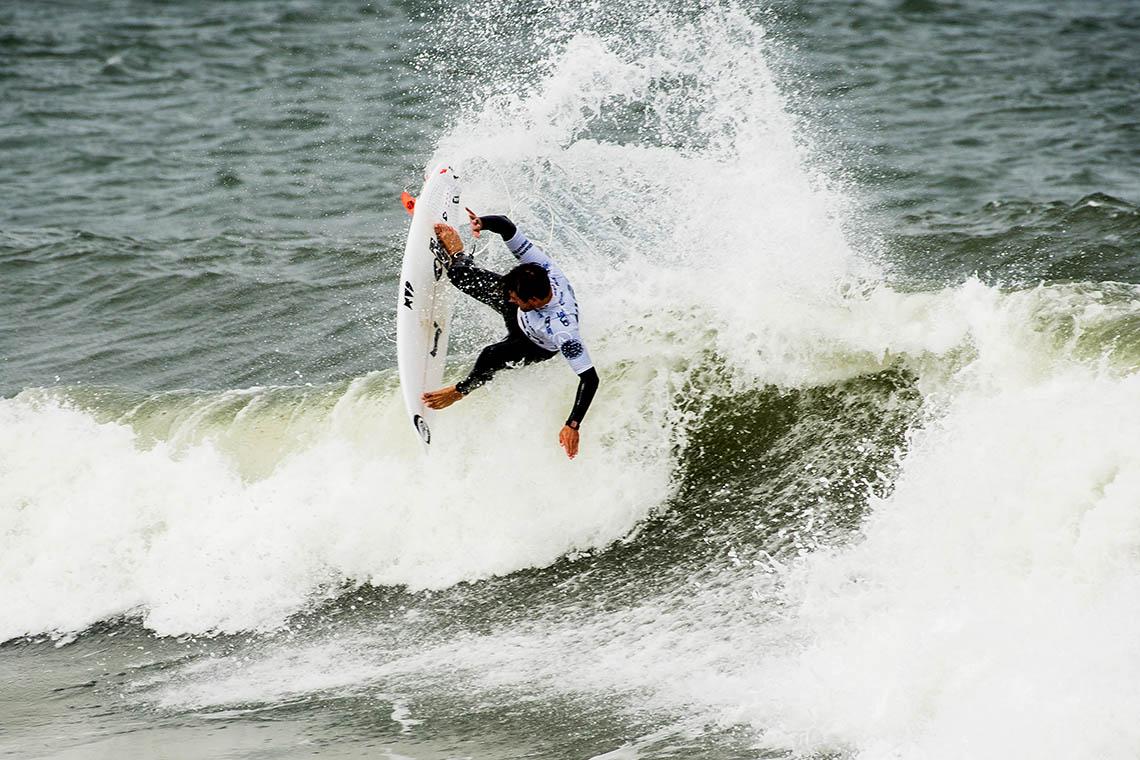 49767Melhores surfistas nacionais e Allianz dão as mãos por Moçambique