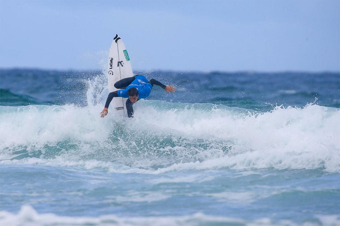 49397Pedro Coelho eliminado no round 3 Vissla Central Coast Pro