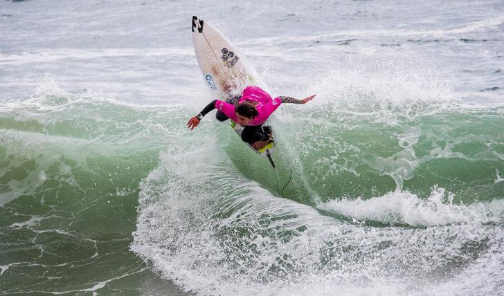 50207Mafalda Lopes é vice-campeã do Caparica Surf Fest Junior Pro
