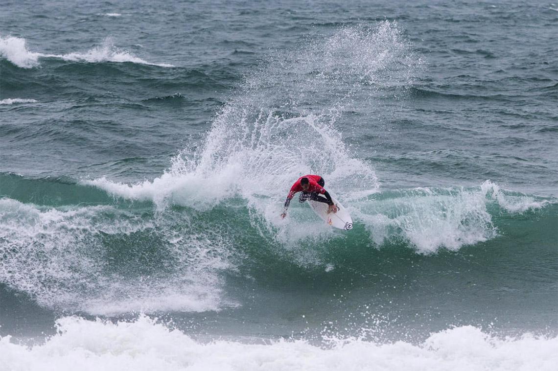 50156Vasco Ribeiro destaca-se em dia curto de competição no Caparica Surf Fest Pro   Dia 3
