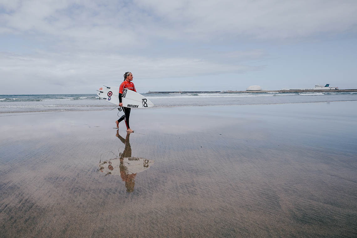 50693Yolanda Hopkins lidera a disputa pelo título da Liga MEO Surf