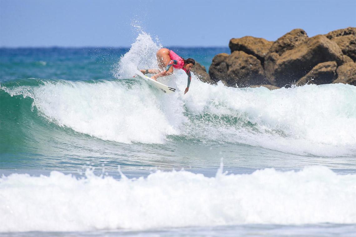 """51515""""Armada Lusa"""" reduzida a 4 surfistas no no Quiksilver & Roxy Junior Pro 40"""