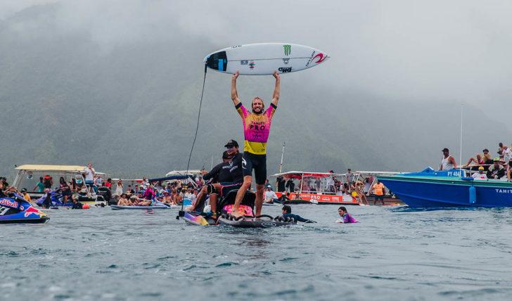 52001Owen Wright bate Gabriel Medina na final do Tahiti Pro Teahupo'o