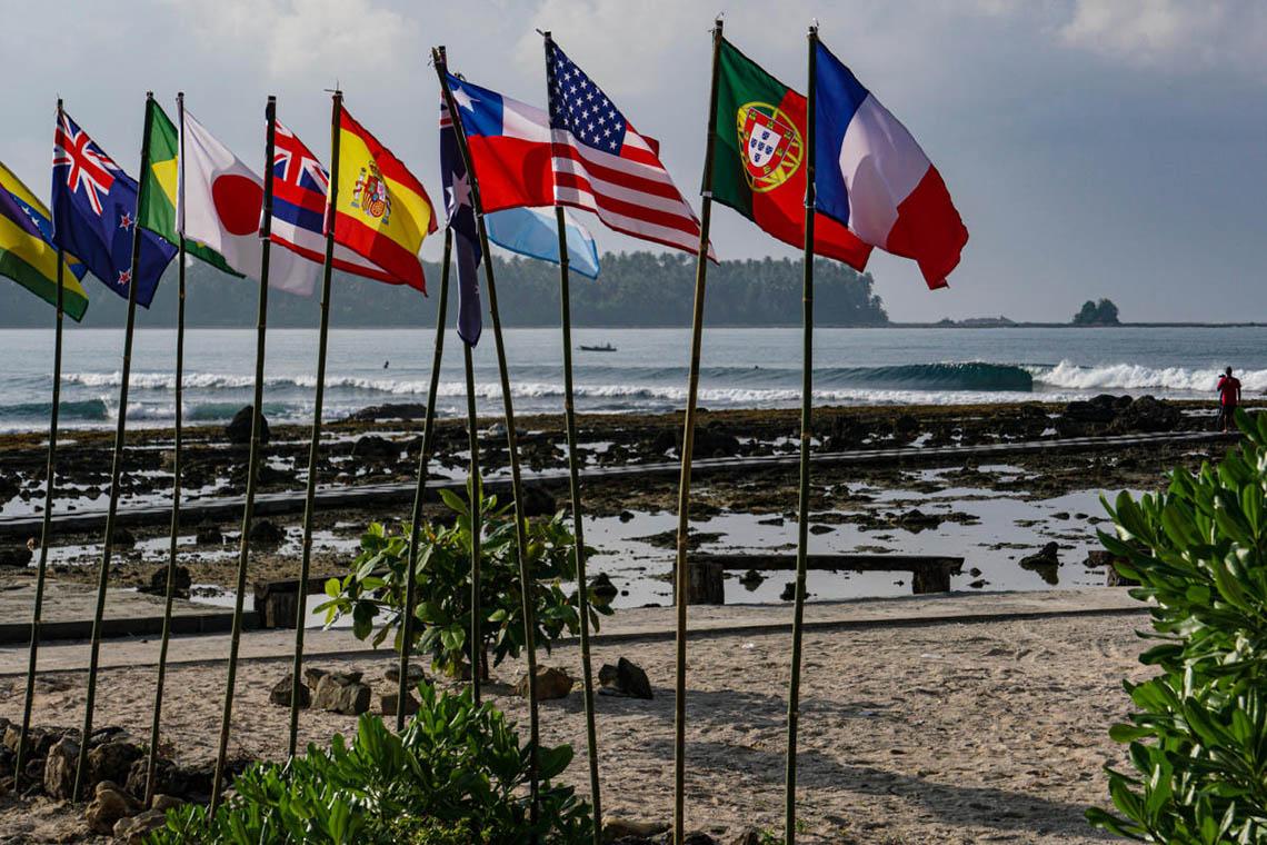 52154Três portugueses competem no Nias Pro | QS 3.000 masculino & 1.000 feminino