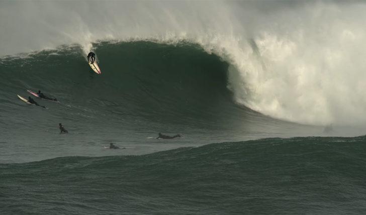 53487Miguel Blanco, Grant Baker e companhia surfam ondas grandes no País Basco || 3:11