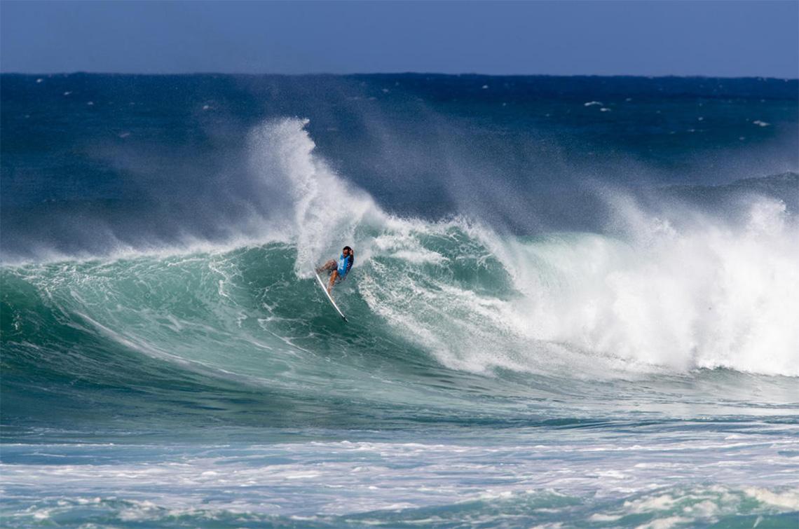 53358Vasco Ribeiro no round 2 do  Hawaiian Pro