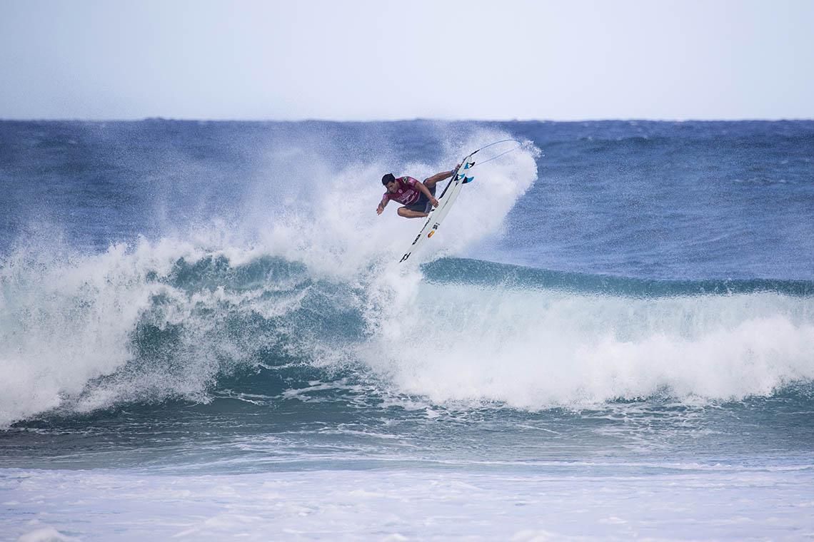 "53708Liga ""ONFIRE Surf Powered by Billabong"" | Escolhe a tua equipa para o Billabong Pipe Masters"