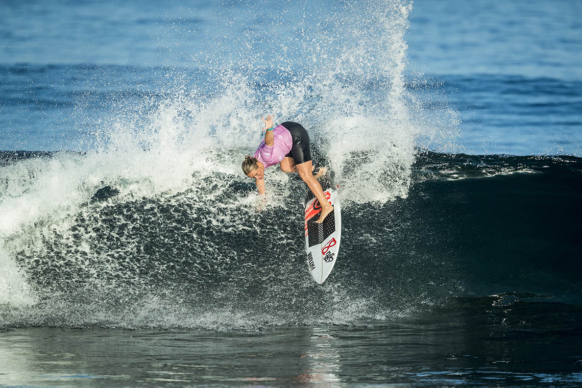 54586Yolanda Hopkins destaca-se no round 1 do Mothernest Great Lakes Pro
