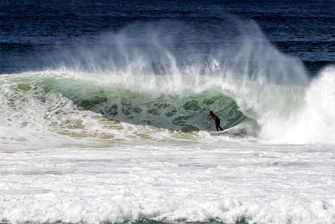 54735Vasco Ribeiro eliminado no Surfest Newcastle Pro