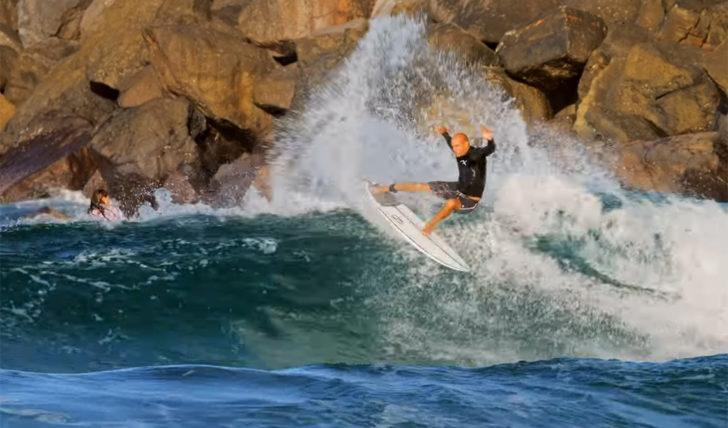 55349Kelly Slater surfa com 5 quilhas em Snapper | A sua melhor sessão dos últimos anos? || 1:39