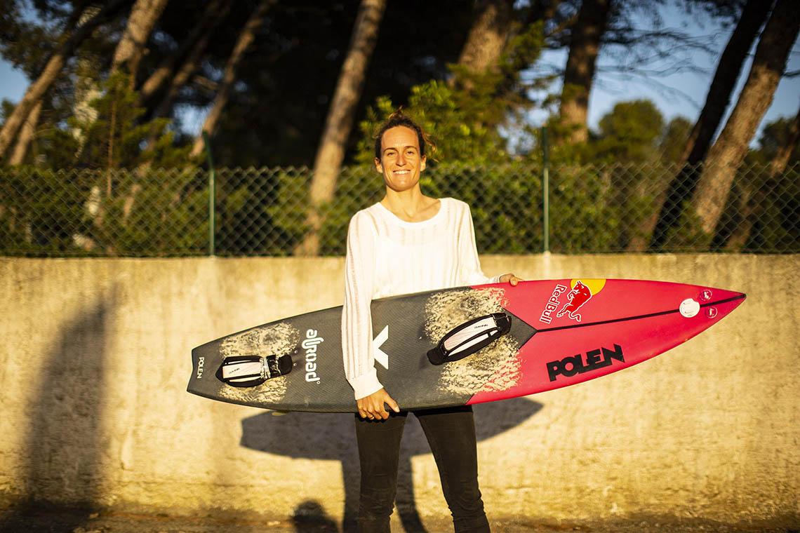 57221Justine Dupont vence a principal categoria feminina no Big Wave Awards da WSL