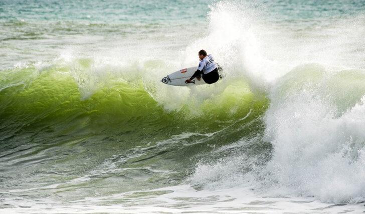 57200Vasco Ribeiro foi o surfista do dia no Pantin Classic